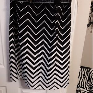 I Le New York Petite Dresses - NTW black & white geometric Plus Size Petite dress